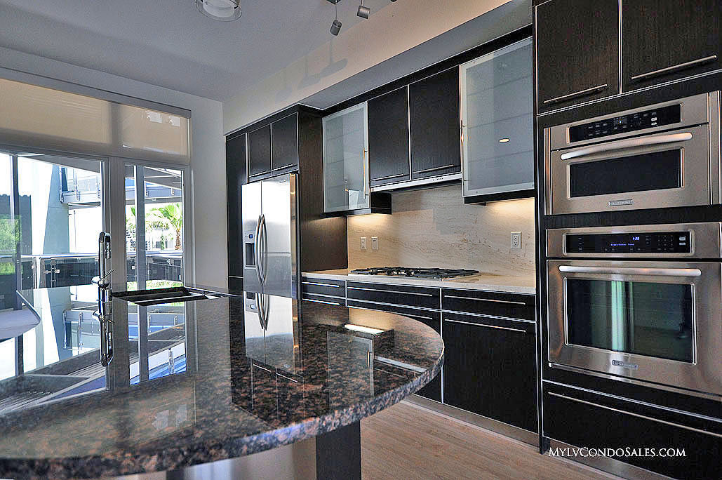 The modern condos for sale in las vegas for Contemporary condos for sale